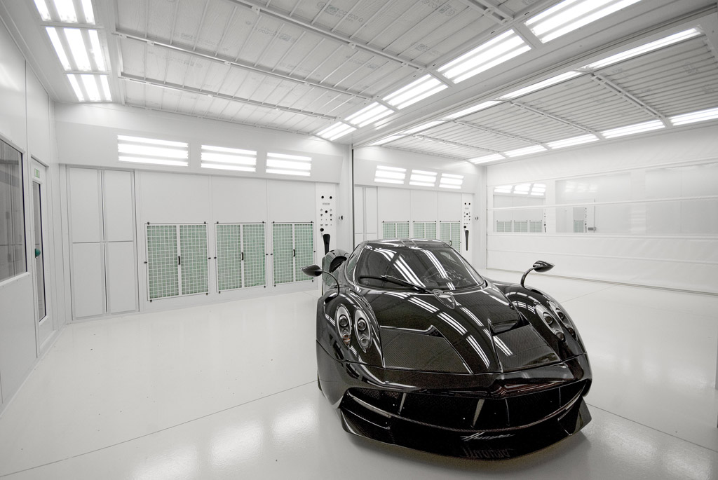 Preparation Booth interior Pagani 01