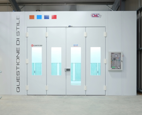Custom Side Extraction Booth